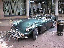 Daimler SP250 (metallic green, front view)