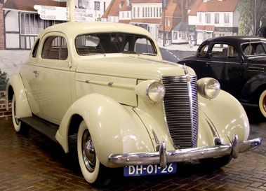 1937 NASH LAFAYETTE 400 BUSINESS COUPE
