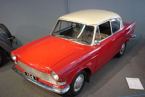 Lloyd Arabella Red 01 (1960)