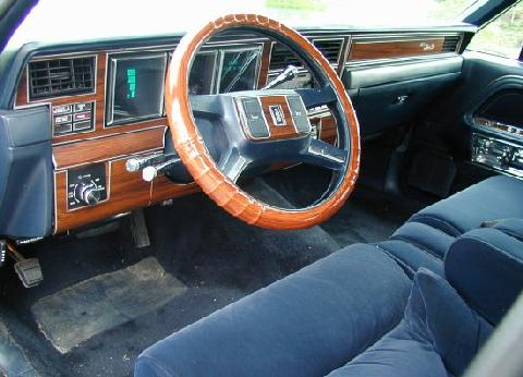 lincoln town car signature series blue dash 1988 picture gallery motorbase. Black Bedroom Furniture Sets. Home Design Ideas