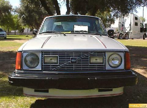 std_1978_volvo_242_gt_2dr_sdn_gry_front.