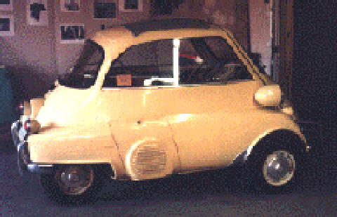 BMW Isetta (Cream bodywork, side view)