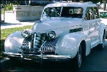 Cadillac 60 Special Sedan Front view (1939)
