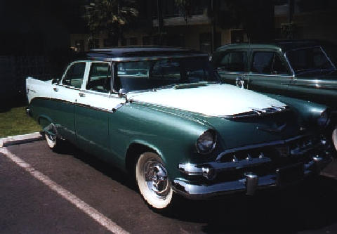 Dodge Custom Royal 4d Sedan, front right view (1956)