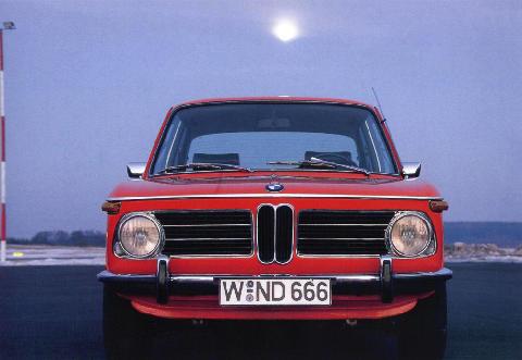 BMW 2002 - Motorbase