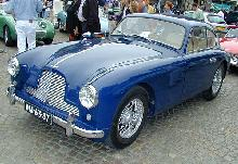Aston Martin DB2/4 Mk II 1955 Front three quarter view