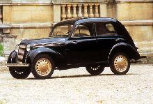 Renault Juvaquatre Sedan (1939)