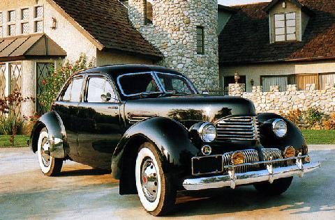 Graham Hollywood Supercharged Sedan (1941)