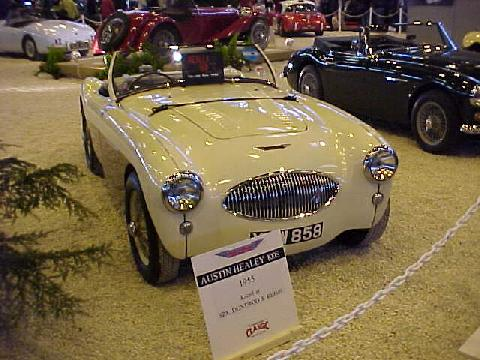 Austin Healey 100S (cream bodywork)