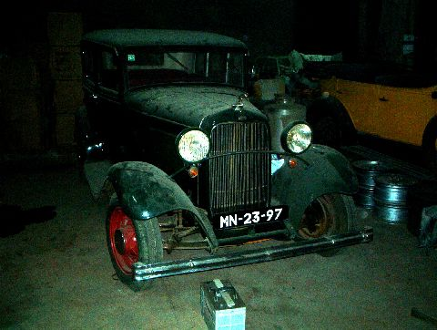 This car is in good condition, running and is a model from 1932...