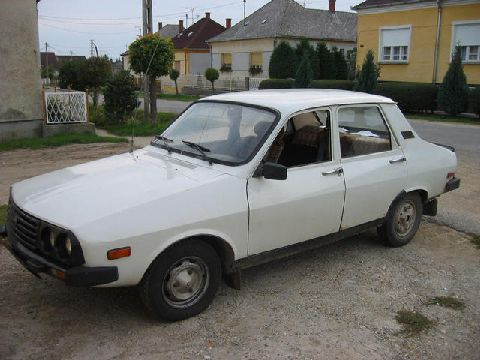 This is a Dacia, quite rare even with us, in Hungary. It is a Reanault license, assembled in Romania.