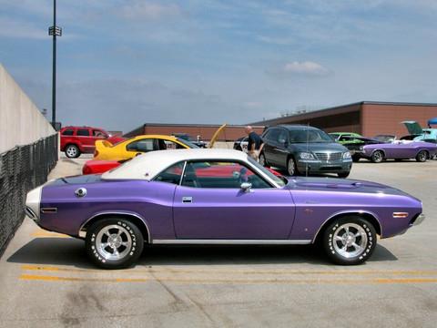 Dodge Challenger 2007 >> 1970 Dodge Challenger R-T SE 383 Magnum with White Vinyl Top Plum Crazy svr (2005 WW@WD DCTC ...