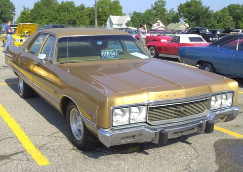 1973 Chrysler Newport 4-Door Sedan Gold fvr (2002 WW@WD PROC)