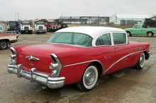 1955 Buick Special 2 Door Sedan-red&wht-rVr mx
