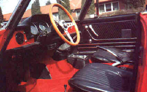 Alfa Romeo Spider Interior (Red bodywork, side view)