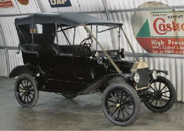 1915 FORD MODEL T FOUR SEATER TOURER