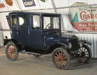 1920 FORD MODEL T CENTER DOOR COUPE
