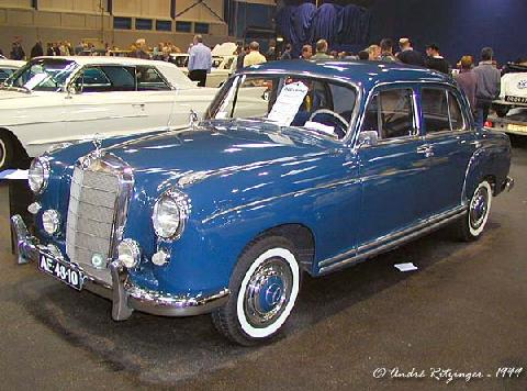 Mercedes 220 S 1958 Front three quarter view