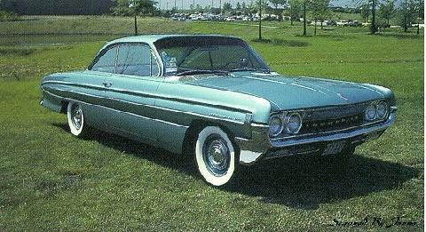 Oldsmobile Dynamic 88 Holiday Coupe (1961)