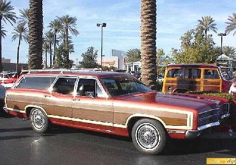 Ford 1969 LTD Country Squire 4dr Wgn Red Rsfvw