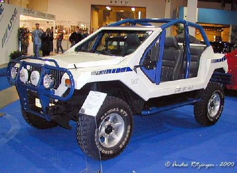 Dakar 4x4 V8 1999 Front three quarter view