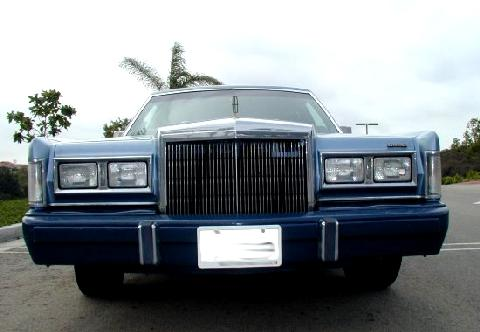 Lincoln Town Car Signature Series Blue Grillev 1988 Picture