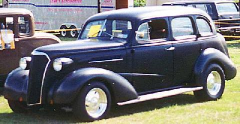 Chevy 4dr Sedan 001 (1937)