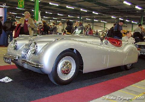 Jaguar XK 120 Roadster 1951 Front three quarter view