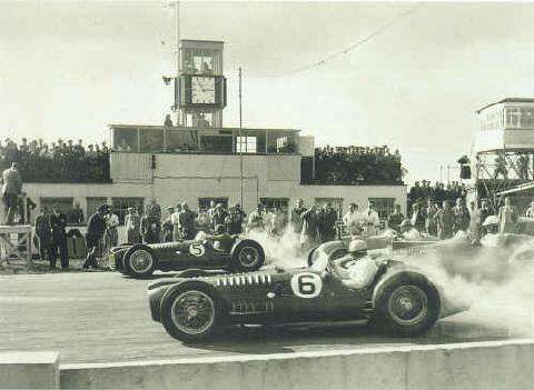 Goodwood Cup, Froilan Gonzalez And Reg Parnell In V16 Brms (1952)