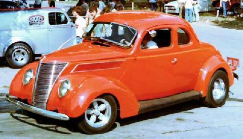 Ford 5Window Coupe 008 (1937)
