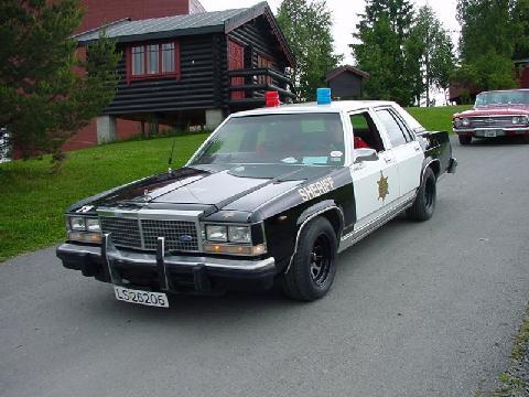 Ford Ltd Crown Victoria Sedan Bw Cop Cruiser 1983 Picture