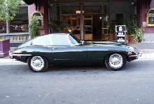 Jaguar E-Type FHC(1969, black bodywork,side)