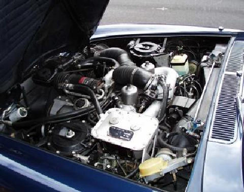 Rolls Royce Corniche engine bay