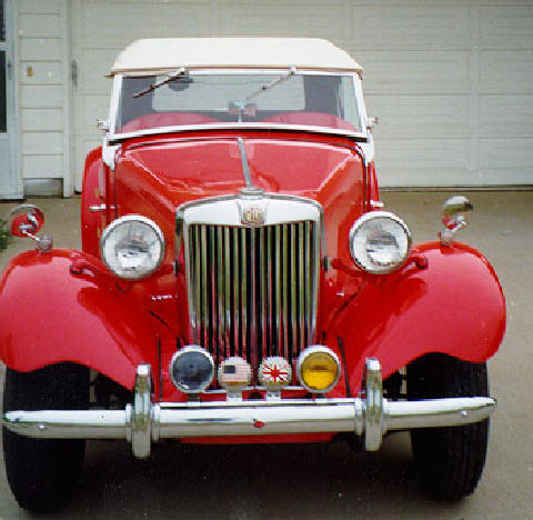 MG TD (red bodywork, front view)