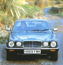 Jaguar XJ12 (1980, front view)