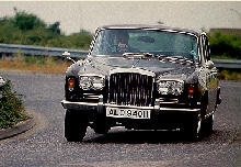 Bentley T1 Saloon Front view Cornering  (1969)