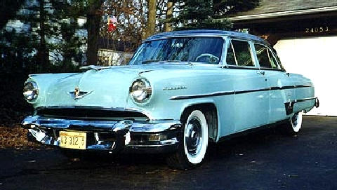 Lincoln Capri Sedan Green Front View(1954)