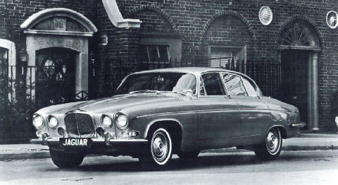 Jaguar 420G Side view (1964)