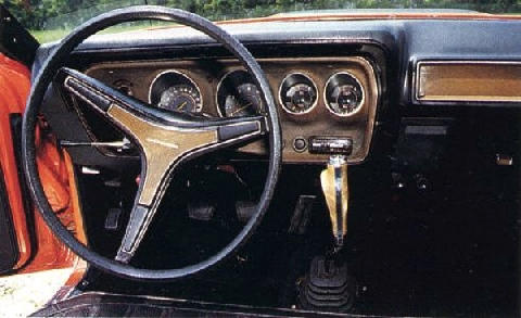 Dodge Coronet Superbee Interior 4spd (1971)