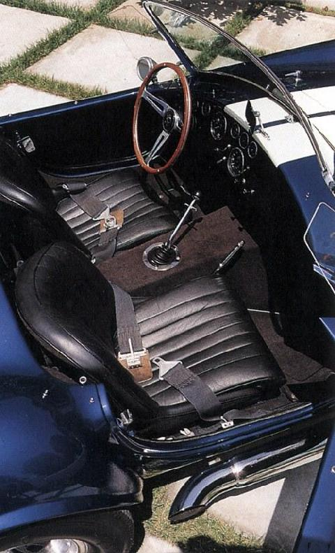 AC Shelby Cobra 427 cockpit