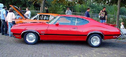 Oldsmobile F 85 4 4 2 Holiday Coup 1970 Side