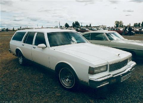 90 Chevrolet Caprice Wagon, White (1987)