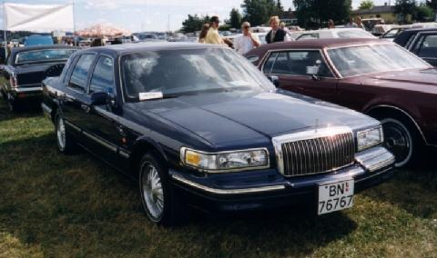 Lincoln Town Car Signature Series (1995)