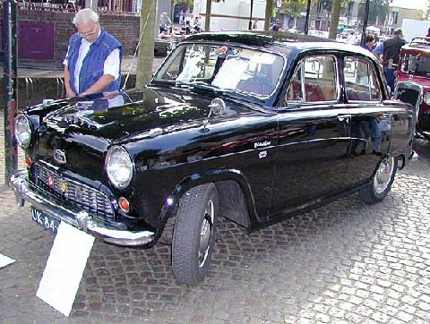Austin A50 Cambridge Saloon 1956 Front three quarter view