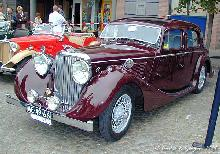 Jaguar 3,5 Litre 1946 LFront three quarter view