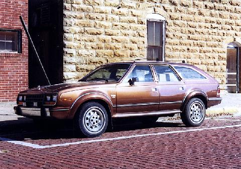 AMC Eagle 4x4 On The Street