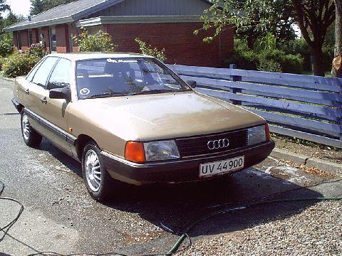1984 Audi 100, 2.2E 5 cyl. 2.2l Bosch K-jetronic FI. 5 ...