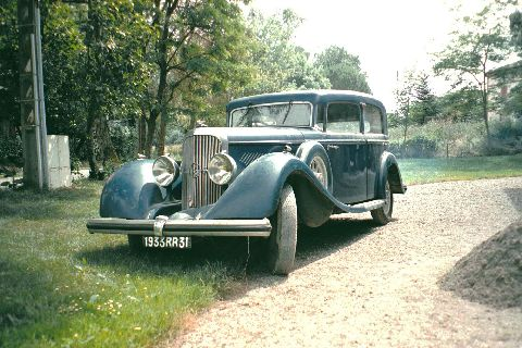 Enclosed, a picture of my Panhard 6CS Panoramique, 1933 (one of the very first panoramique), in original condition. 