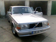Volvo 240 Saloon Series