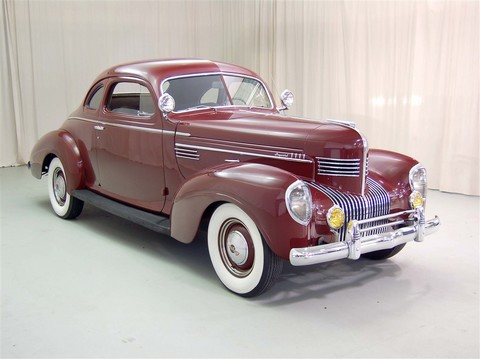 1939 Chrysler Imperial Red 02